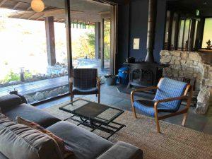 ホテルのロビーの椅子