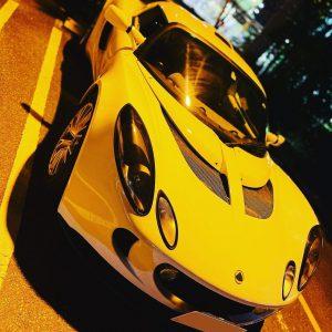スポーツカー